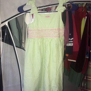 Girls sz 7 green gingham and smocked sundress